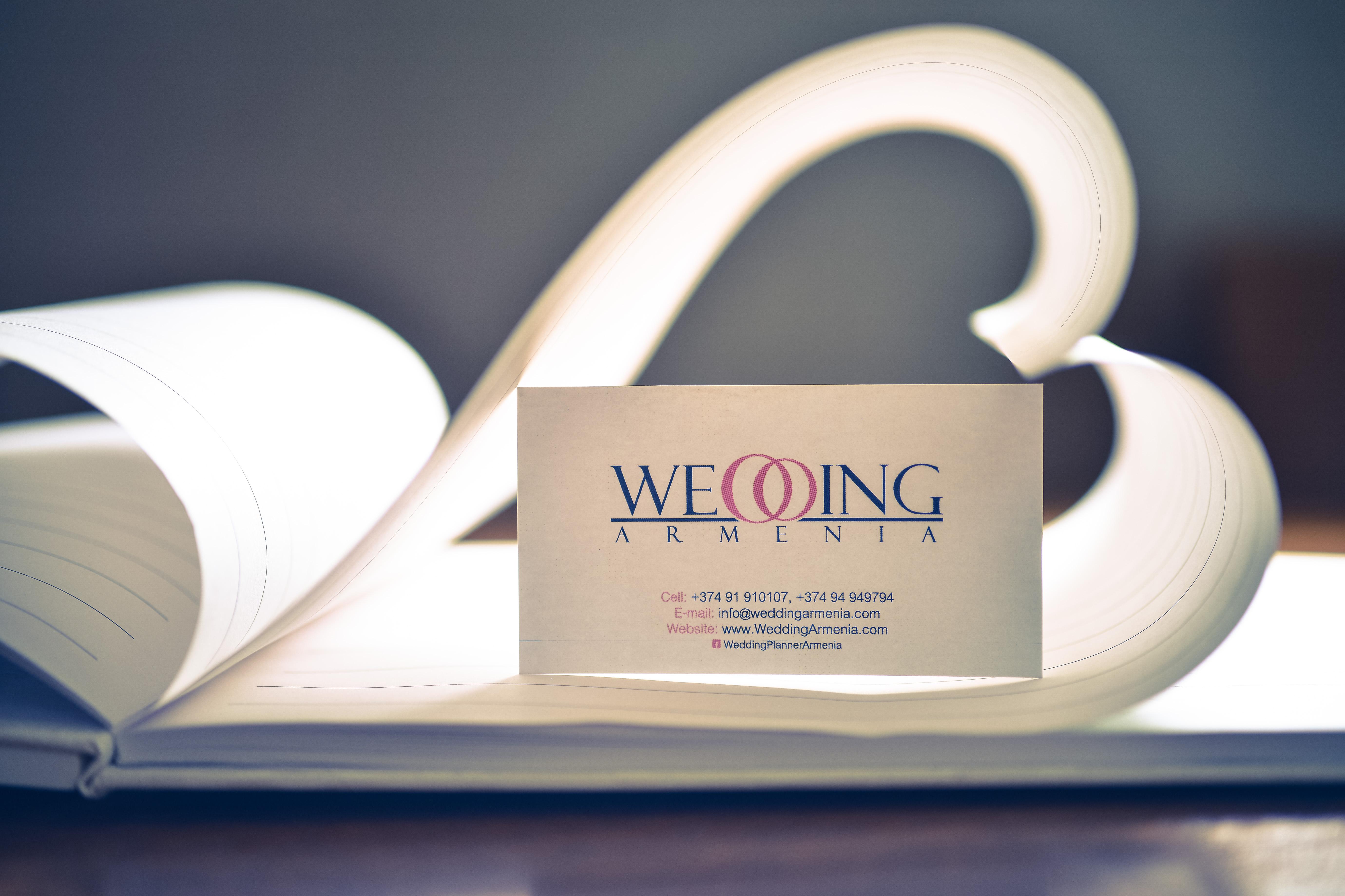 The Best Open Air Weddings By Weddingarmenia News Armenian Hugo Boss Endrio Hitam